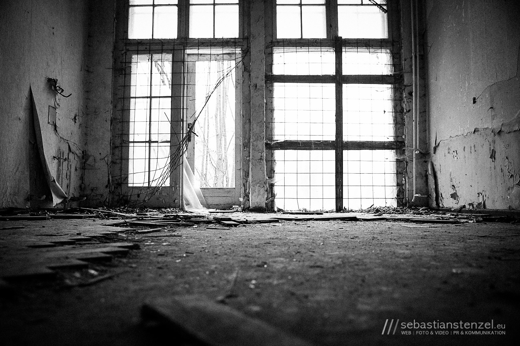 Photograph Lost Place by Sebastian Stenzel on 500px