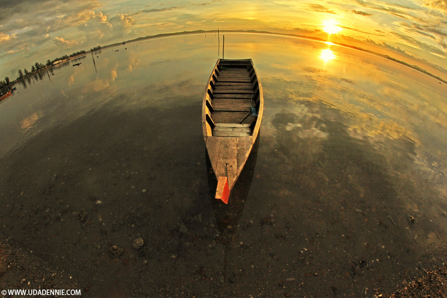 Photograph a boat by Uda Dennie on 500px