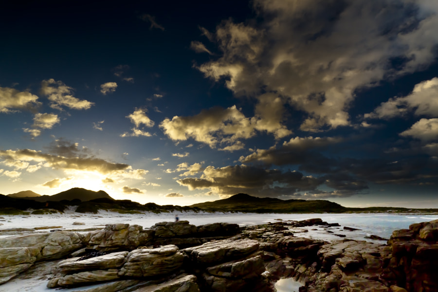 Scarborough Beach can be reached on the coastal road from both sides of the peninsula. The journey there is well worth it as the seaside scenery is simply a delight.