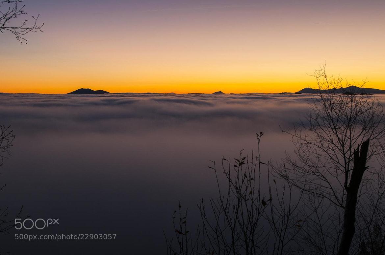 Photograph amanecer en el mar de nubes by Javier Barrutia on 500px