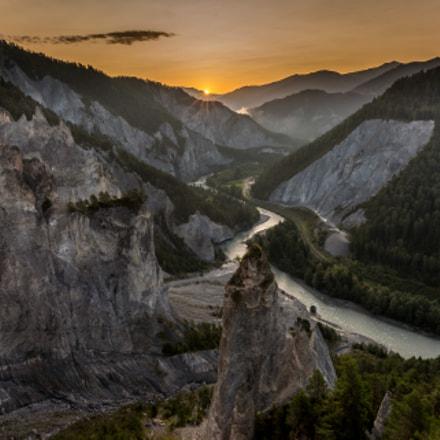 Die Rheinschlucht bei Sonnenaufgang.