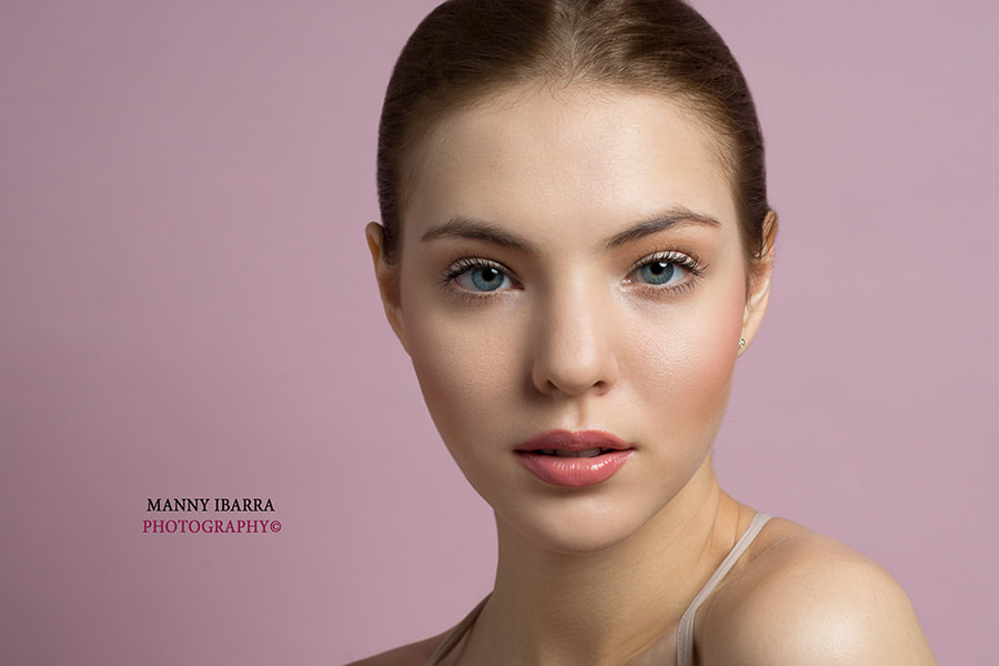 Photograph Uliana by Manny Ibarra on 500px