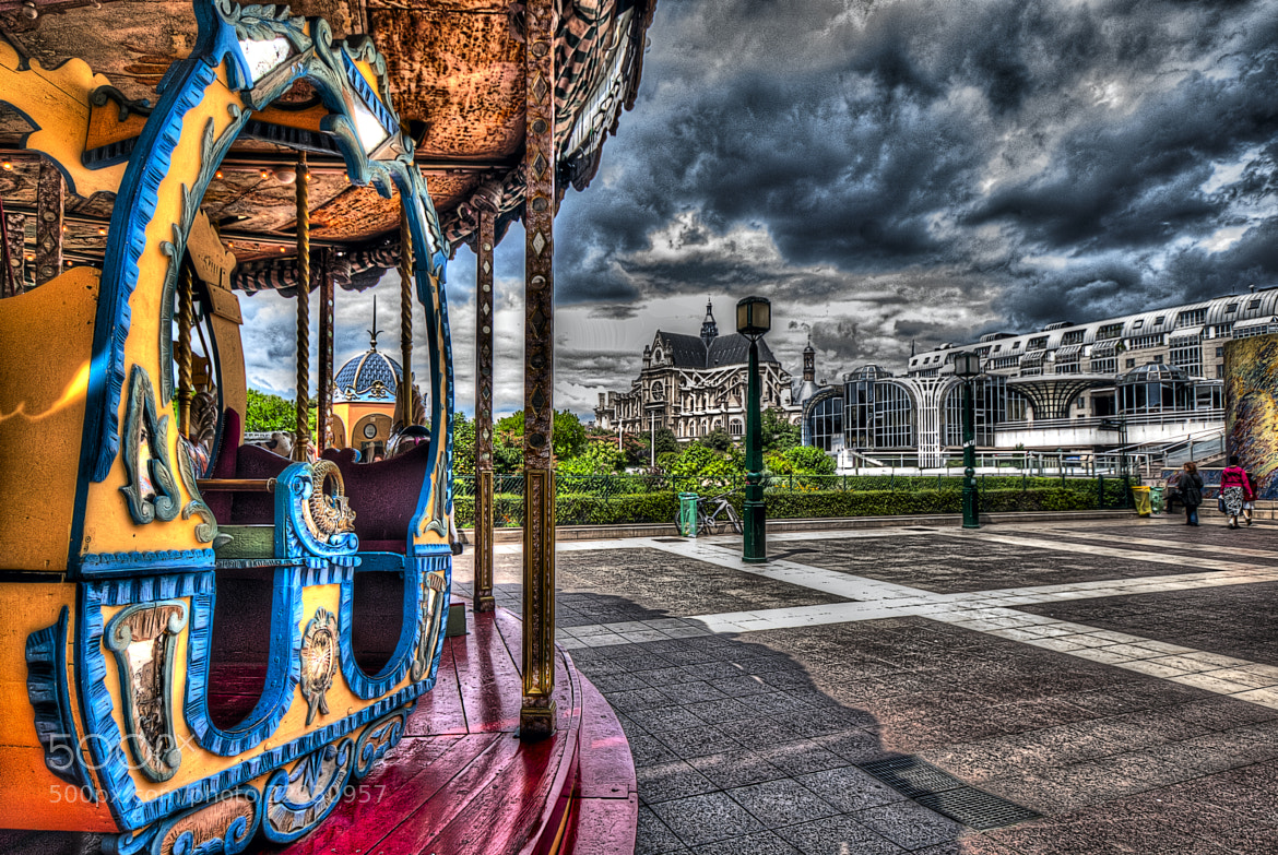 Photograph Carousel in Paris by Paco López on 500px