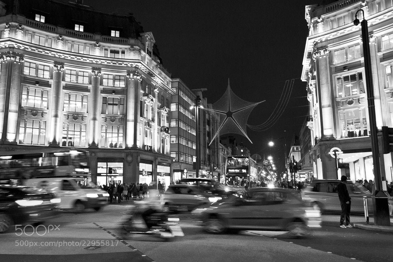 Photograph oxford street by Ovidio Sánchez on 500px