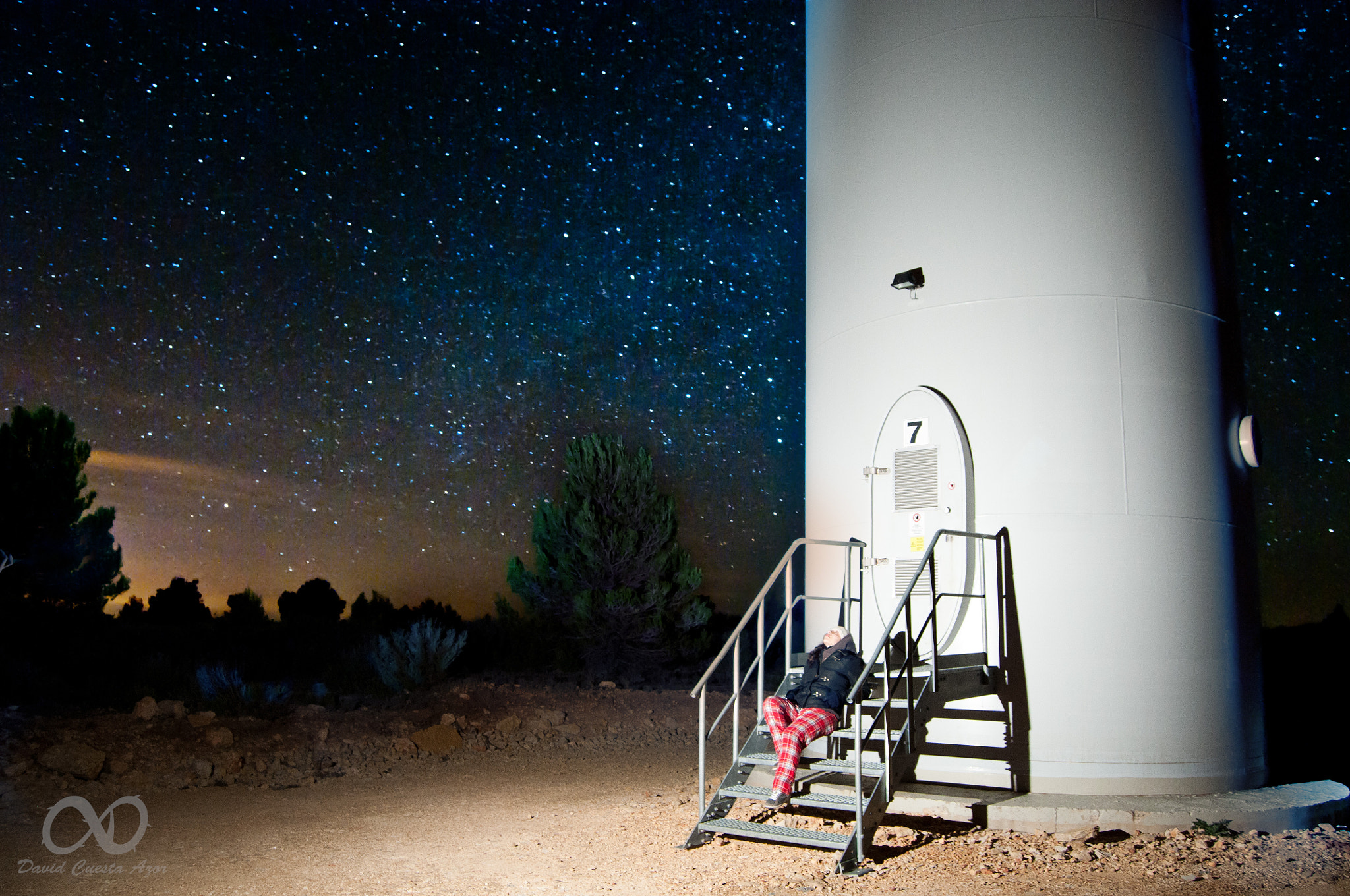 Photograph Waiting for the 7th lift to the stars. by David Cuesta Azor on 500px