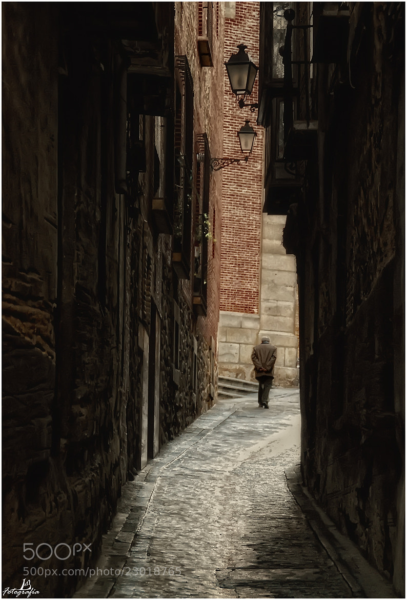 Photograph On the streets III by Manuel Lancha on 500px