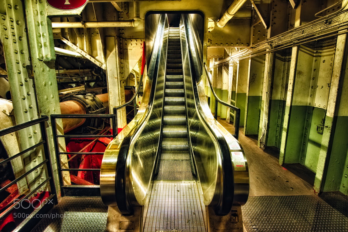 Photograph Leaving Queen Mary's Belly by Warren Weinstein on 500px