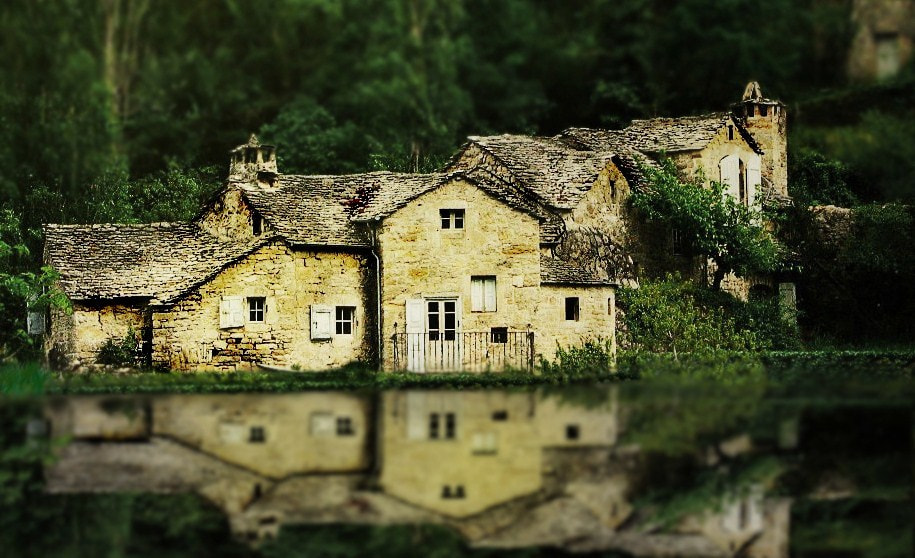Photograph VIEILLE MAISON by Sébastien Chambre on 500px