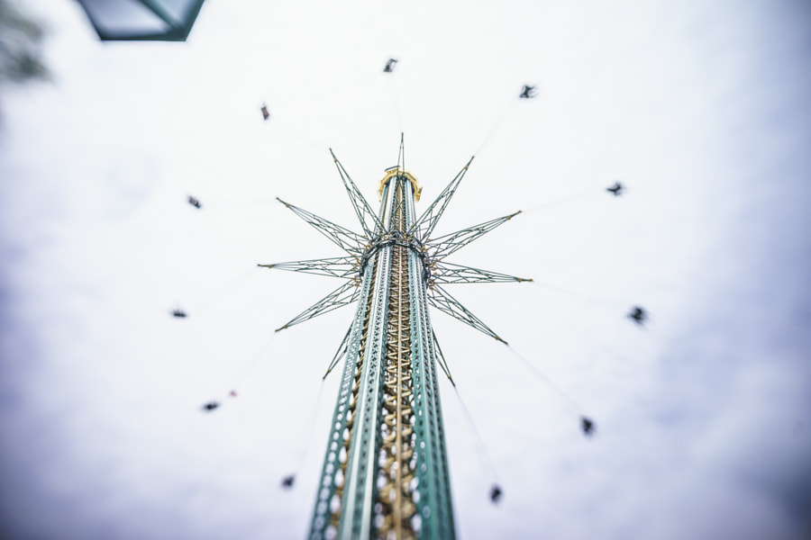 Vienna Prater amusement park: the Prater Turm by Antonello Franzil on 500px.com