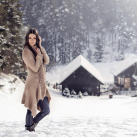 Zechra-turkish woman in Slovakia winter - High Tatras