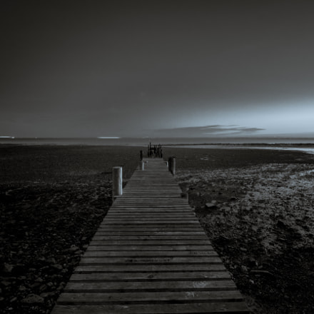 Dry pier