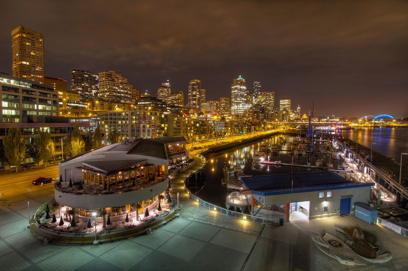 Photograph Seattle Downtown Skyline from Pier 66 at Night by David Gn on 500px