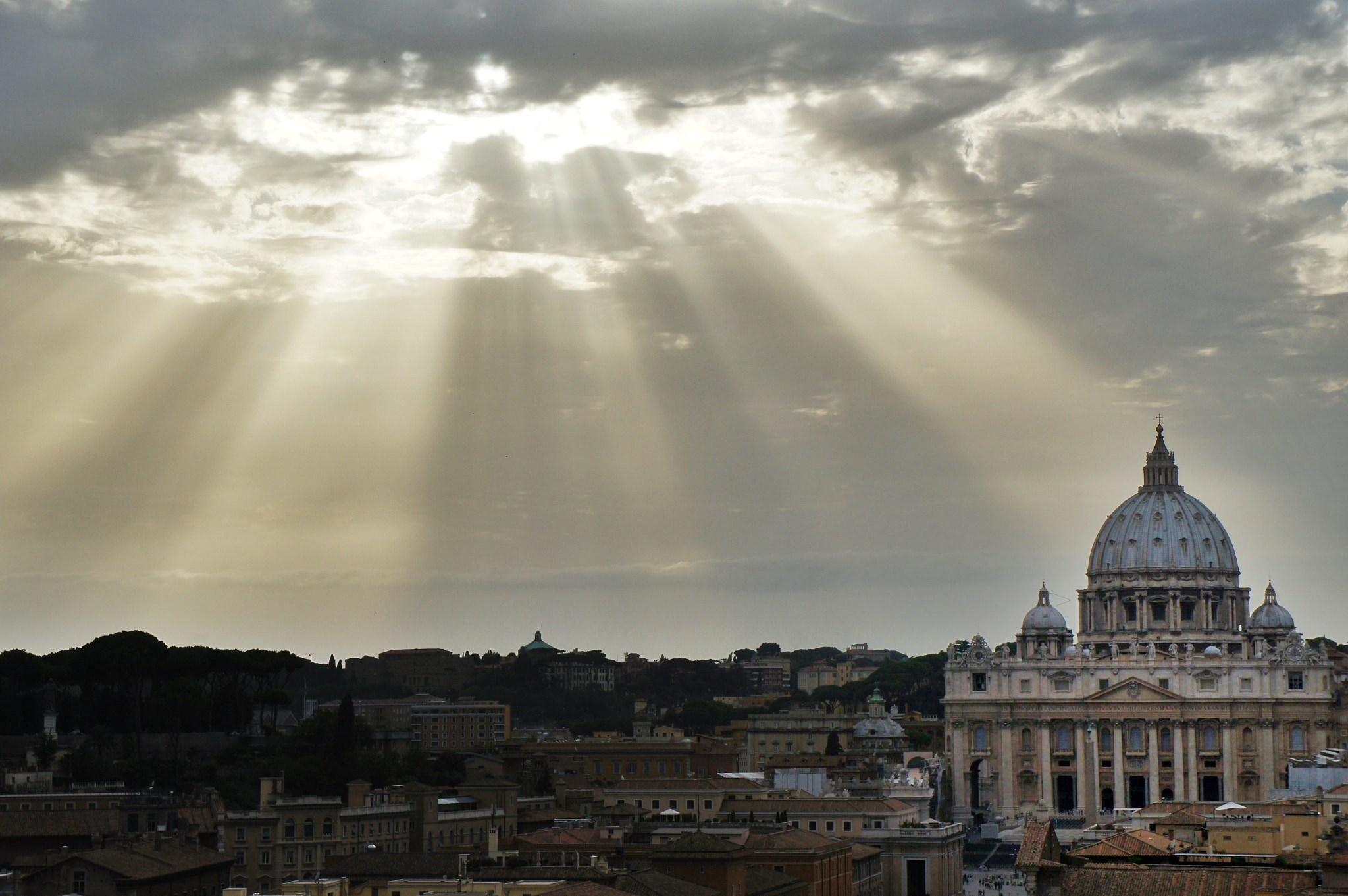 Photograph St. Peters Church with sun rays @Vatican by Rafael Guerrero on 500px