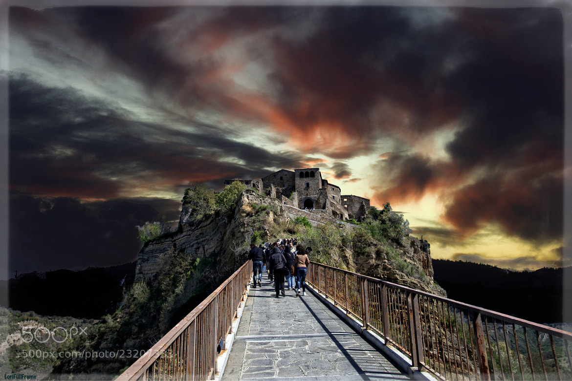 Photograph Civita di Bagnoregio ... the Town that Die .... by Lorenzo ROSIGNOLI on 500px