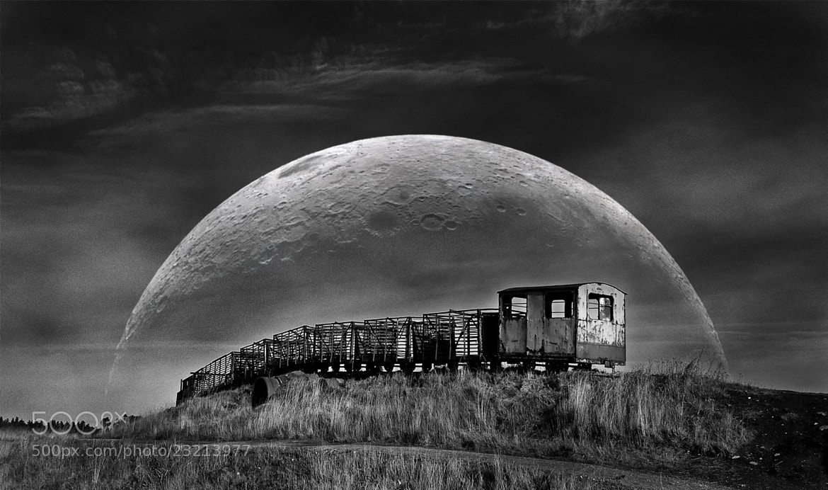 Photograph Moonrise by Paul Moore on 500px