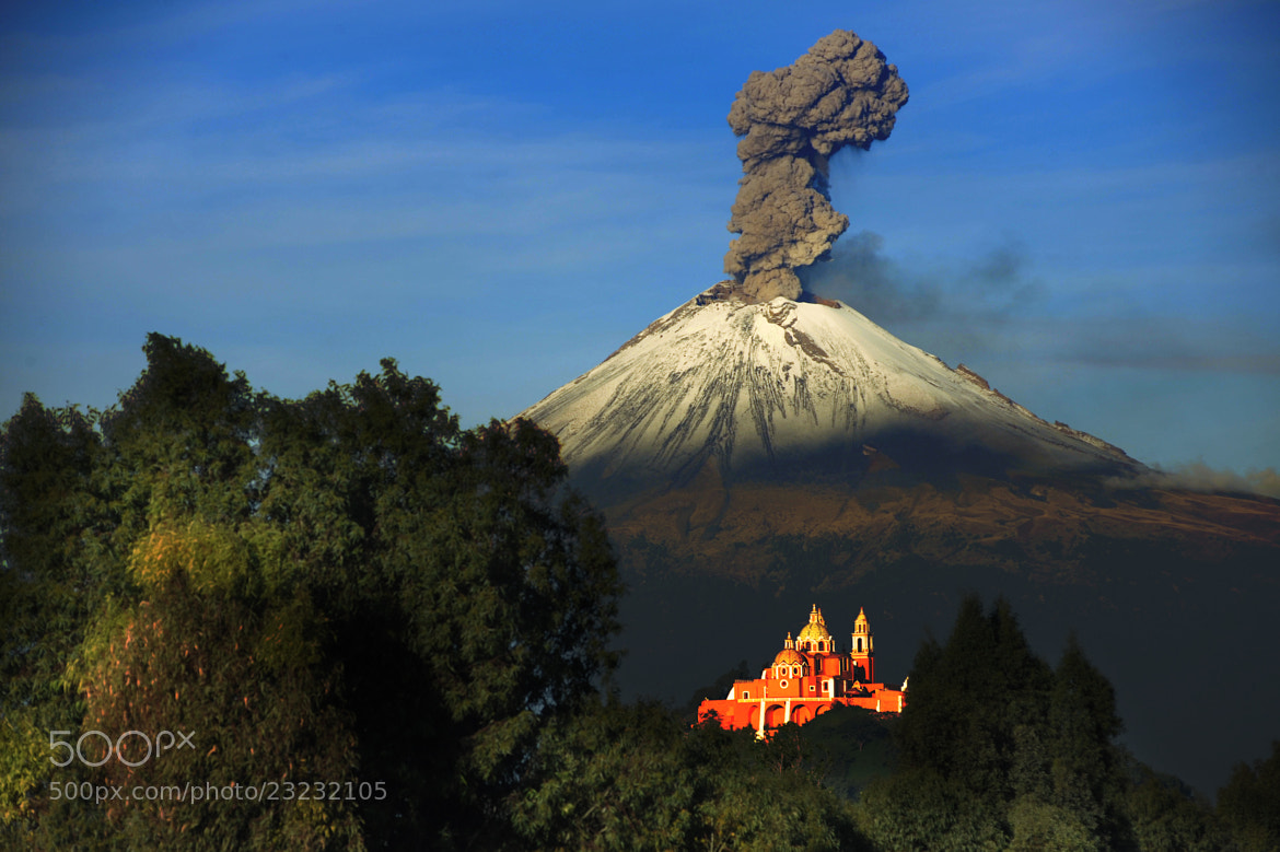 Photograph Popocatepetl smoking by Cristobal Garciaferro Rubio on 500px