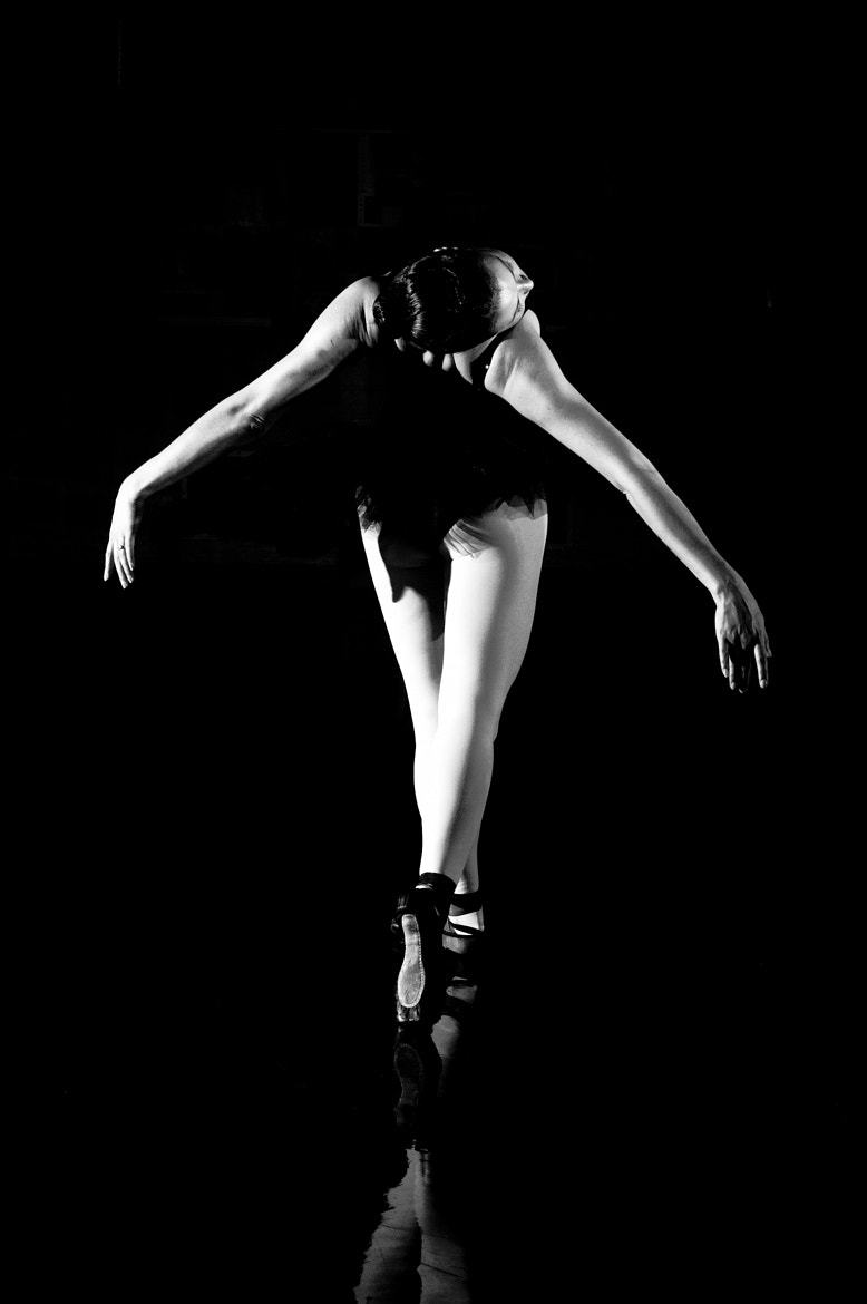 Photograph lighting a ballerina by Andrea Deverell on 500px