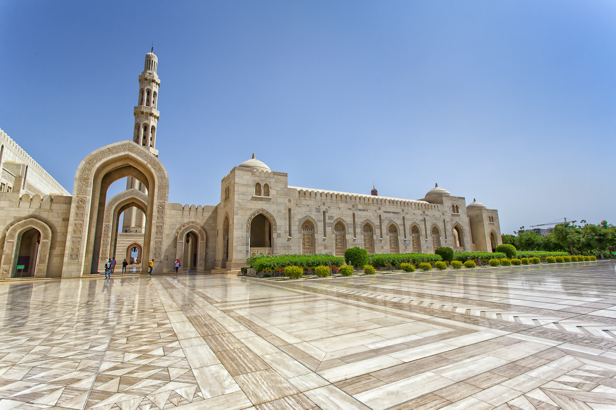 Photograph Grand Mosque in Muscat 4 by Chakrit Chanpen on 500px