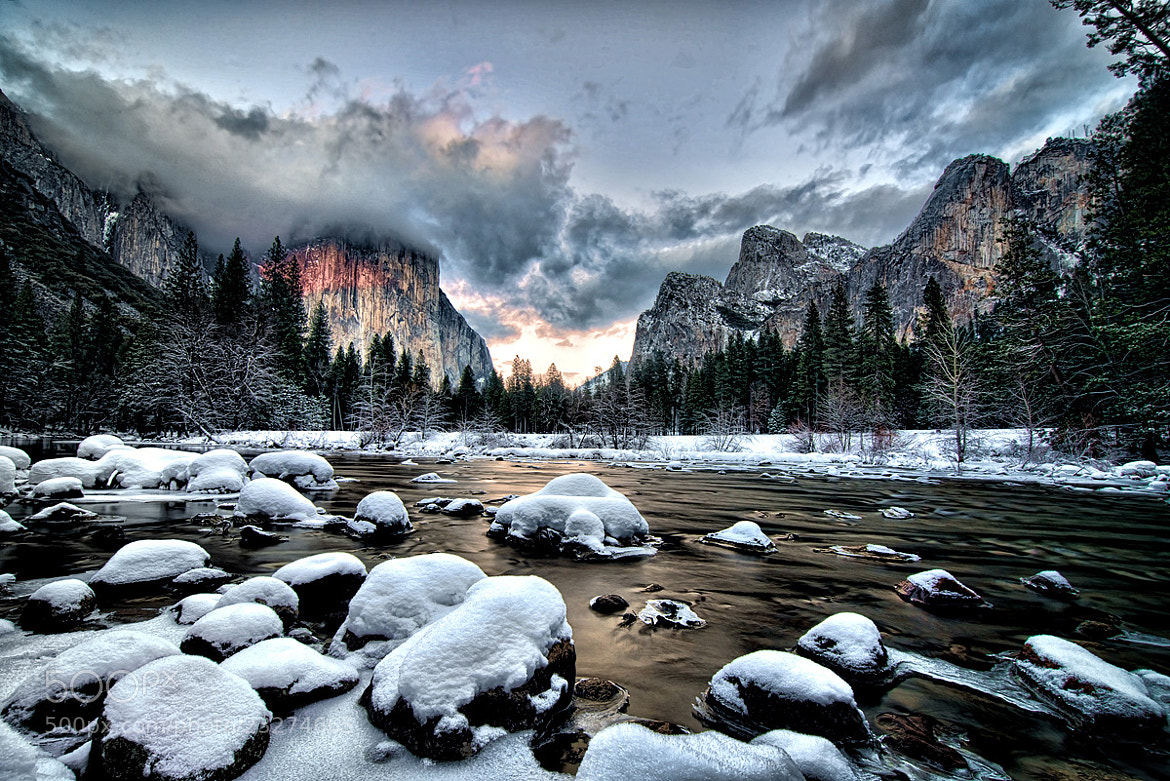 Photograph El Capitan in Yosemite Valley by Peter Dang on 500px