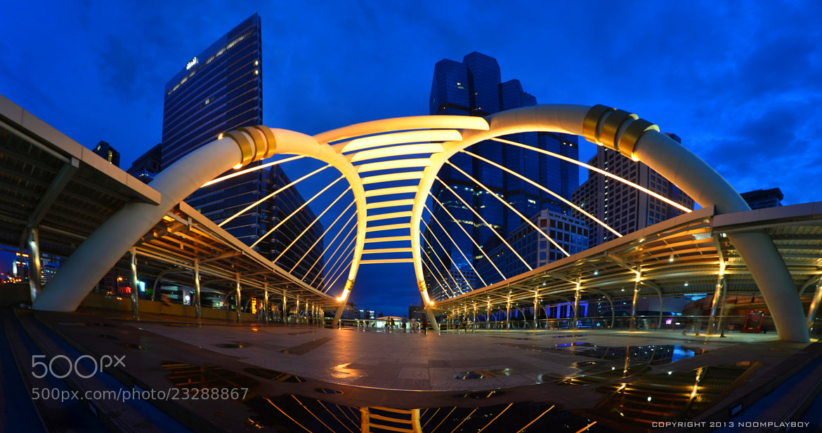 Photograph BTS Skytrain @ Bangkok : Panorama by noomplayboy  on 500px