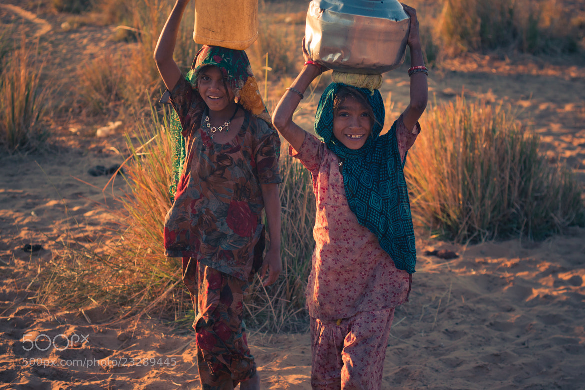 Photograph Girls in the desert by Sabrina Grasso on 500px