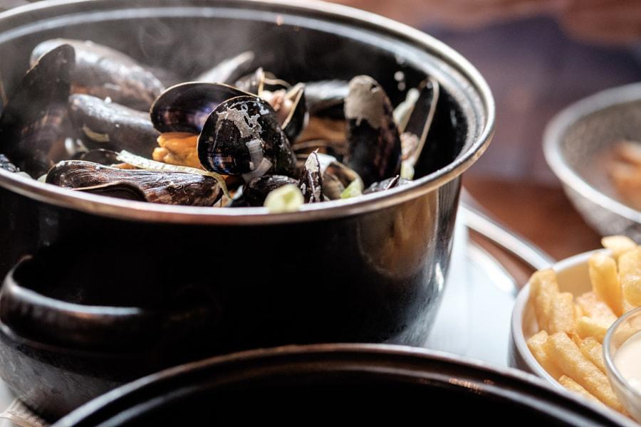 Mussels in Amsterdam von Andreas Reininger auf 500px.com
