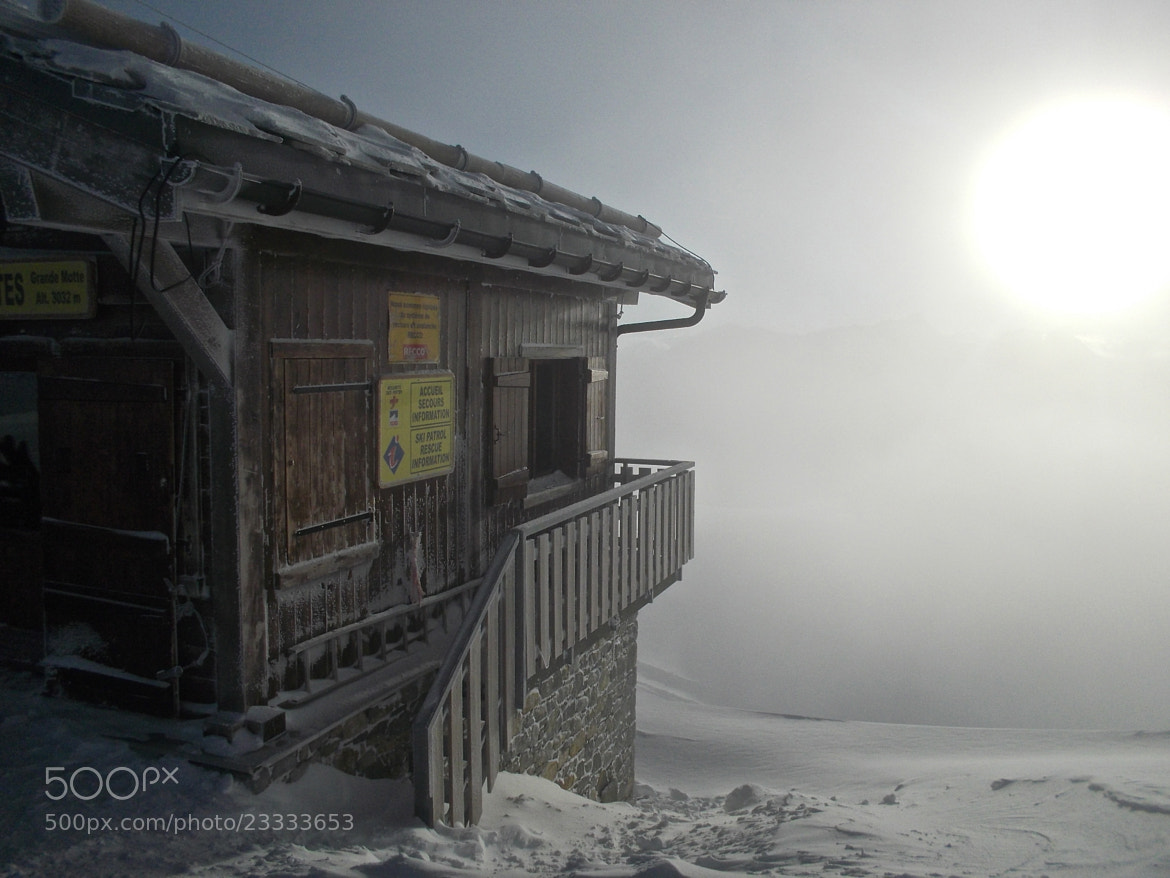 Photograph Pisteurs Hut by Andrew Wilde on 500px