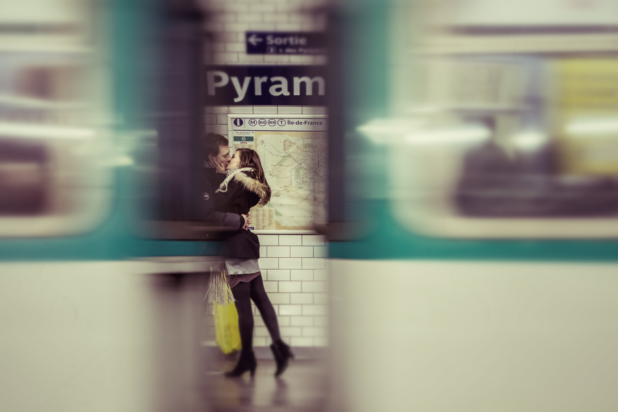 Photograph Metro kiss by Garrett Gibbons on 500px