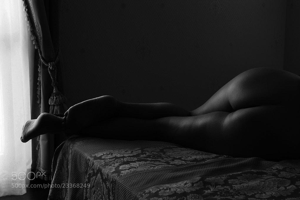 Photograph Nudo sul letto della nonna by Fabio Montalto on 500px