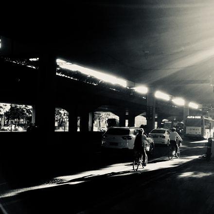 上班路上(On the way to work)