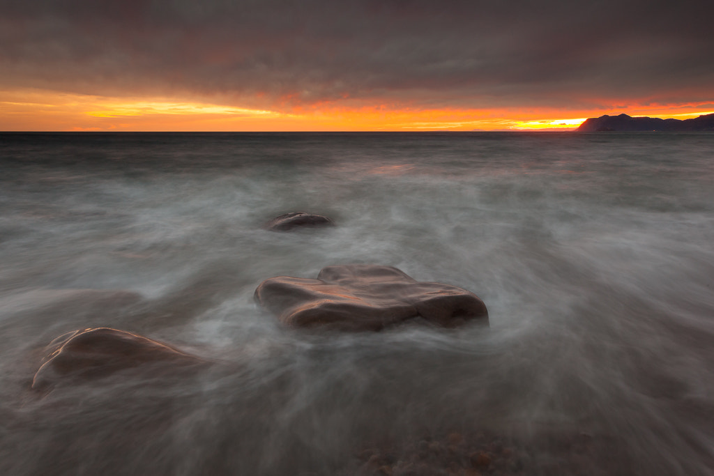 Photograph Tide is coming up by Andoni Lamborena on 500px