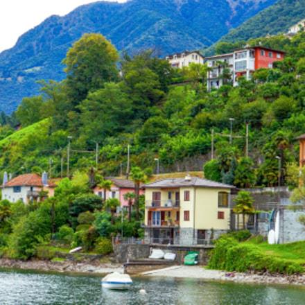 Ronco sopra Ascona lake