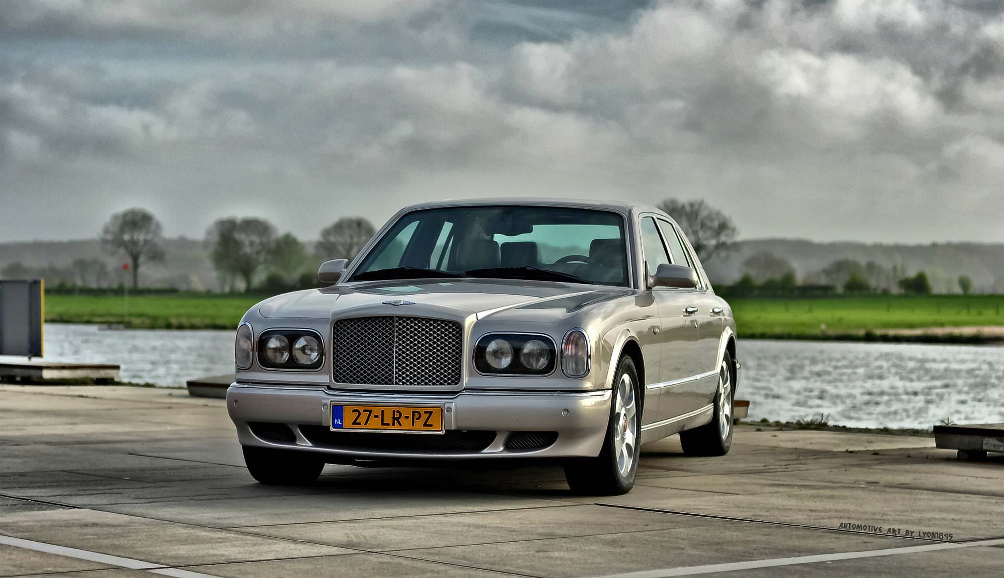 Photograph Bentley Arnage Red Label by lyon1845 on 500px