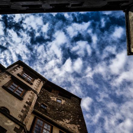 Castle-Városszalónak2
