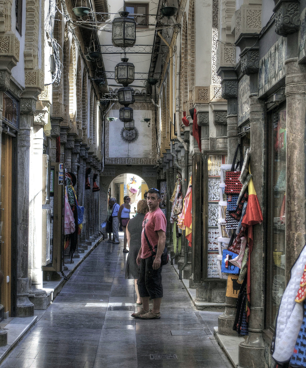 Photograph Una calle de Granada by Josep Maria Colls Trullen on 500px
