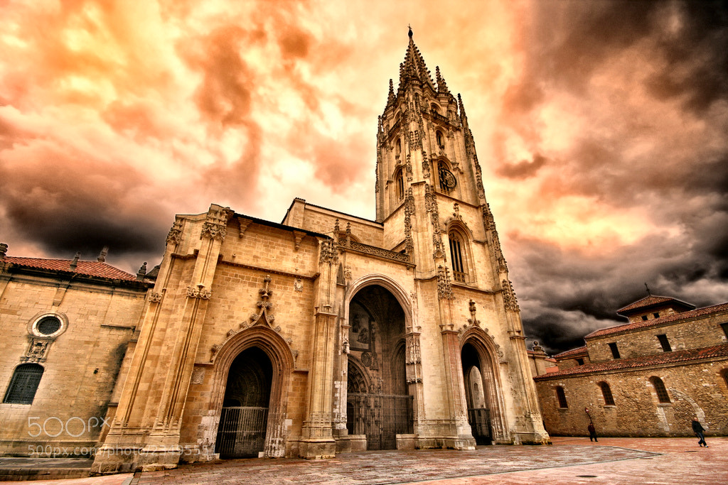Photograph Cathedral of San Salvador, Oviedo by Jose Luis Mieza on 500px