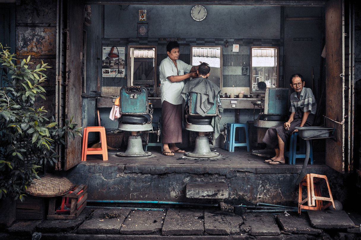 Photograph The barber by Philippe CAP on 500px