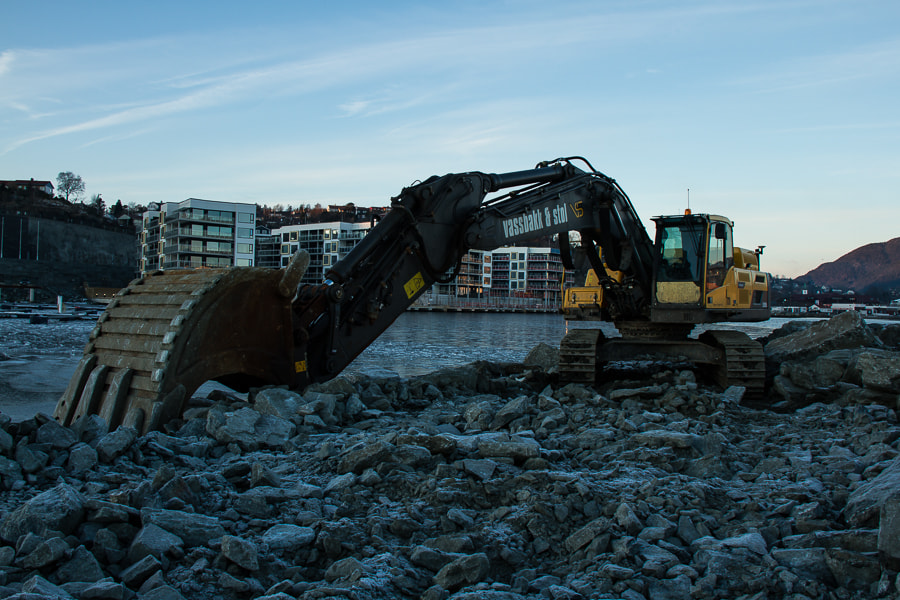 Photograph Just another digger by Bjørn-Gunnar Lunde on 500px