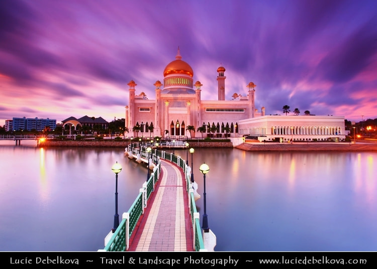 Photograph Borneo Island - Sultanate of Brunei - Sultan Omar Ali Saifuddin Mosque in Bandar Seri Begawan by Lucie Debelkova -  Travel Photography - www.luciedebelkova.com on 500px