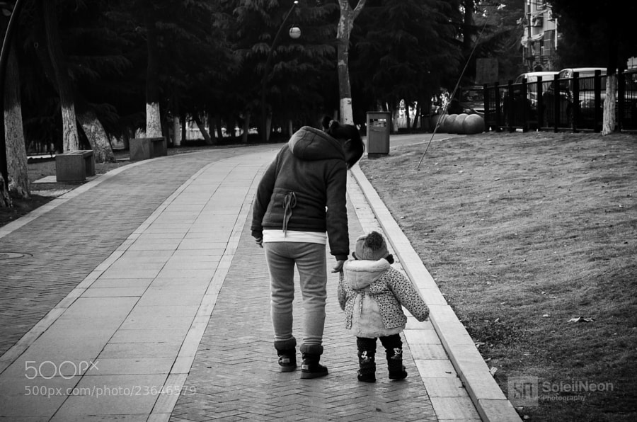 Photograph Baby learning walking by Soleil Neon on 500px