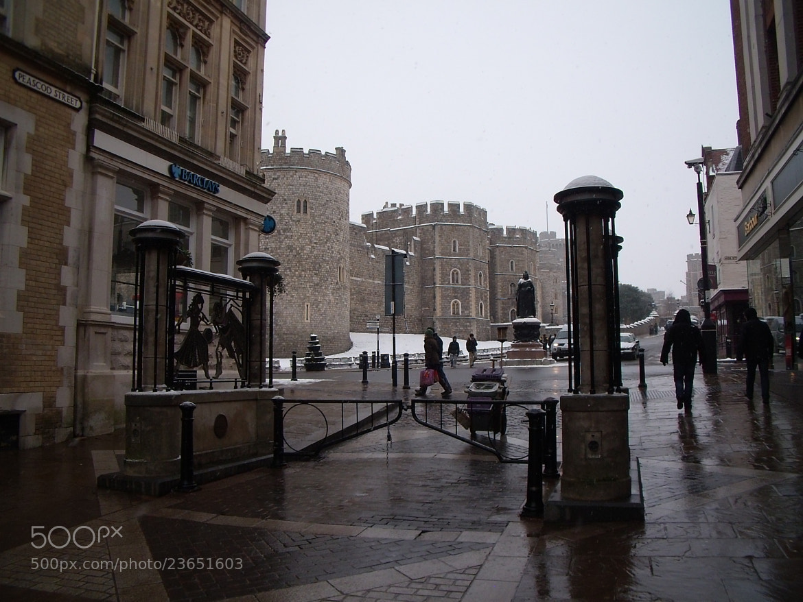 Photograph Windsor Castle in Snow by Gareth Witty on 500px