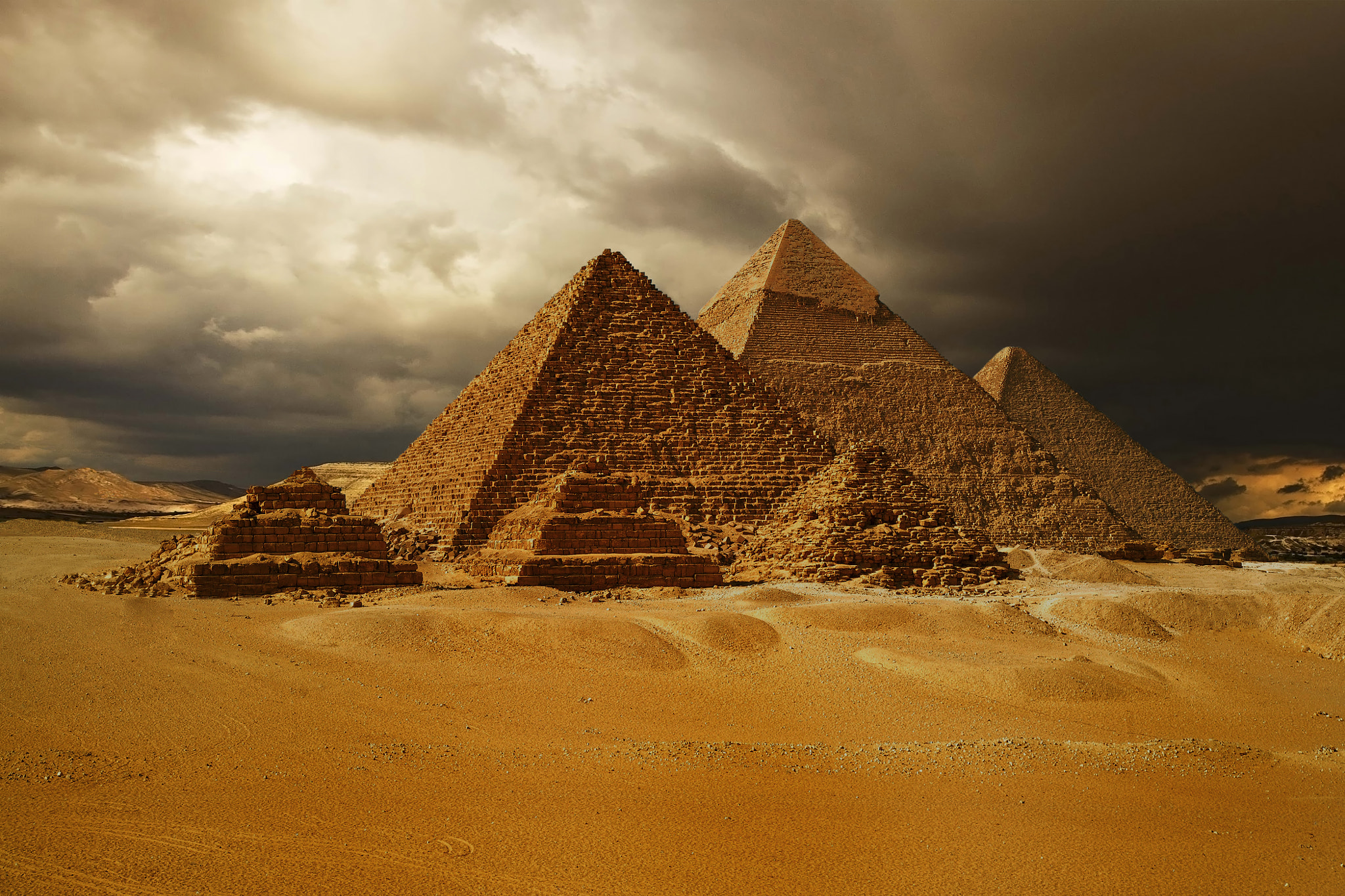 Photograph Pyramids of Giza, Cheops pyramid by lerchhartmut on 500px