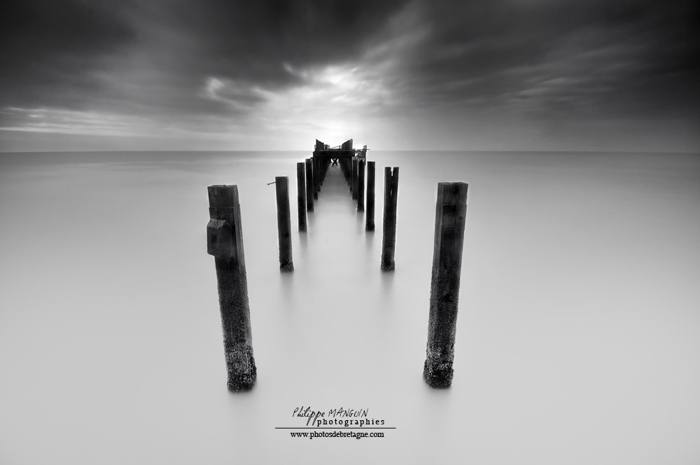 Photograph BROKEN GATE TO HEAVEN by Philippe MANGUIN on 500px