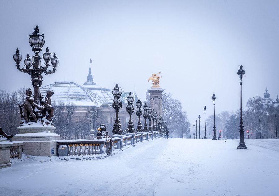 Alexandre II bridge Paris snow 2013