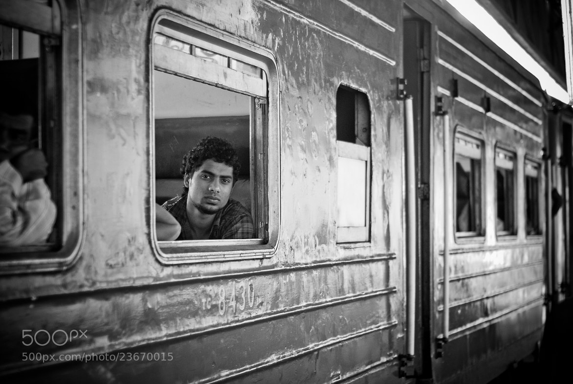 Photograph The look of the train - SRI LANKA - 2011 by Julien REBOULET on 500px