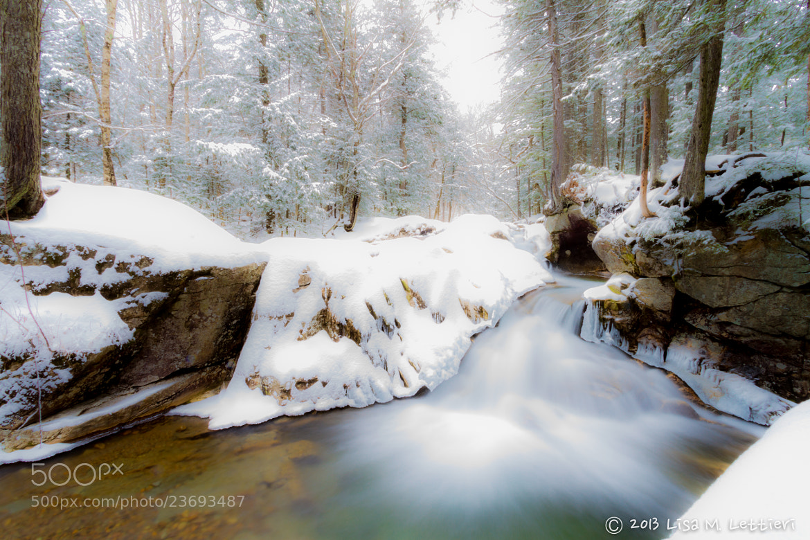 Photograph Streaming Through Franconia Notch by Lisa Lettieri on 500px