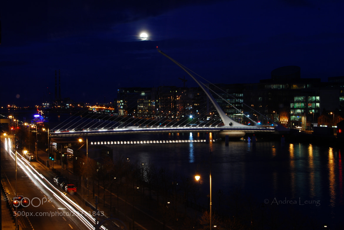 Photograph Samuel Beckett Bridge by Andrea Leung on 500px
