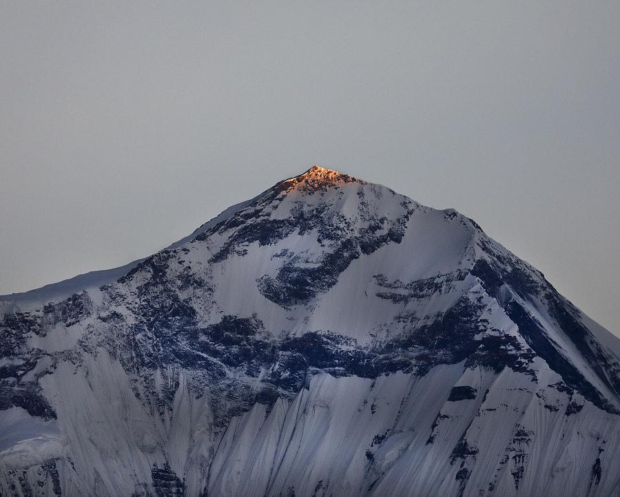 Sunrise on the mountain peak of Dhaulagiri (8167), автор — Сергей К на 500px.com