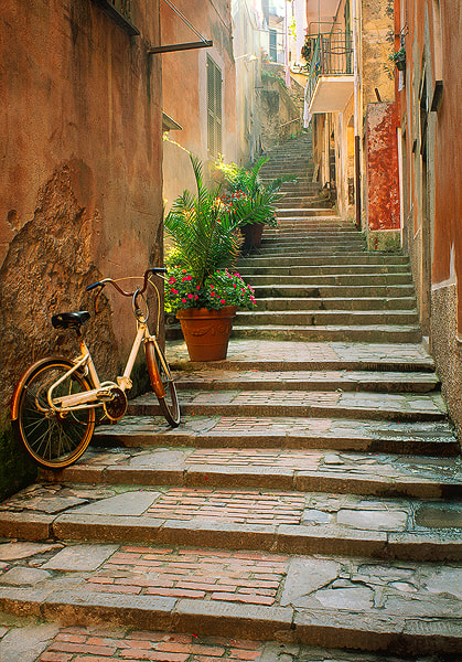 Photograph Monterosso Back Alley by Jim Nilsen on 500px
