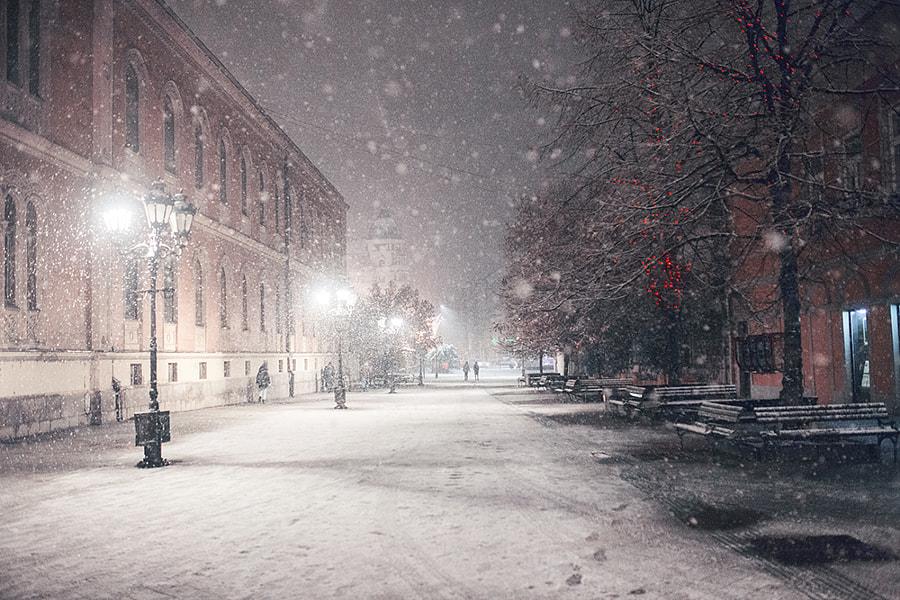 Snowy night by Jovana Rikalo on 500px